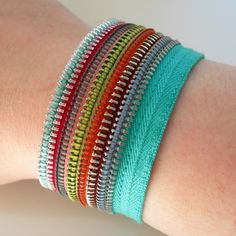 Zipper bracelets. Need to try this.