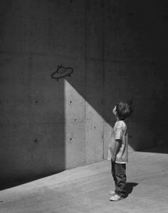 Bright Side found 20 photographs that prove just how expressive black-and-white photography can be.