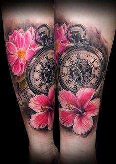 tatuaje tattoo flores color reloj antebrazo 13depicas