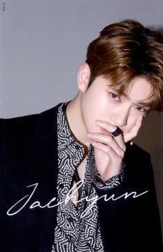 c: hcmyfullsun Chain Photocard Taeyong, Haikyuu, Dream Chaser, Jung Yoon, Valentines For Boys, Jung Jaehyun, Jaehyun Nct, Fandoms, Entertainment