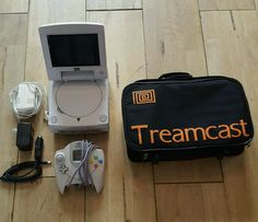 Treamcast #retrogaming #HotDC In full working order with no yellowing. Auction ends in some hours.