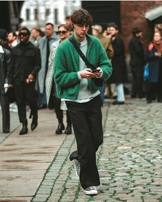"HOLZWEILER on Instagram: ""@kristian_bergendorff wearing Holzweiler Pre Fall 2020 during Copenhagen Fashion Week in January💚 captured by @davidhendrick_"" Copenhagen Style, Copenhagen Fashion Week, Normcore, How To Wear, Shallow, January, Street, Fall, Instagram"