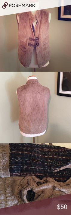 Faux Fur Vest! Inside and outside pockets. Toggle closure. Size XS but will fit a Small. Great condition. Cotton lining. Hand washable! Sanctuary Jackets & Coats Vests