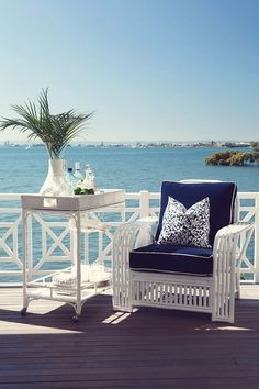 Coastal Style: Hamptons Charm in Queensland Coastal Cottage, Coastal Homes, Coastal Style, Coastal Living, Coastal Decor, Cottages By The Sea, Beach Cottages, Outdoor Spaces, Outdoor Living