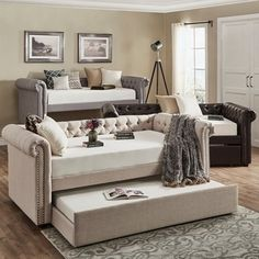 Attractive Knightsbridge Tufted Scroll Arm Chesterfield Daybed And Trundle By SIGNAL  HILLS
