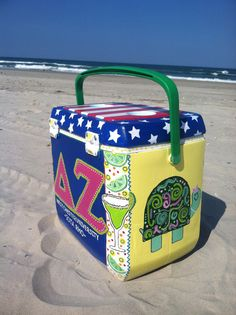 painted cooler-LOVE THE SIDE OF THIS.