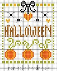 Nuovi schemi a punto croce dedicati ad Halloween utili per dare un tocco di colore e allegria alla nostra cucina. Zucche di Halloween a punto croce simboli e scritte per decorare gli asciugapiatti e le tovagliette individuali.
