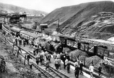 Glamorgan, Gilfach Goch, The last passenger train out of Gilfach which left from the Coal Mines River Tees, Train Times, British Rail, Kingdom Of Great Britain, Coal Mining, Steam Locomotive, Train Tracks, South Wales, Europe