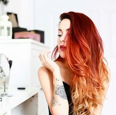 Sunset hair Source by Sunset Hair, Red Ombre Hair, Fire Hair, Dye My Hair, Hair Tie, Hair Color Dark, Gorgeous Hair, Pretty Hairstyles, Hair Inspiration