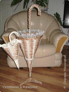 Поделка изделие Плетение Познакомтесь с мои раличньiе зонтики Бумага газетная фото 1