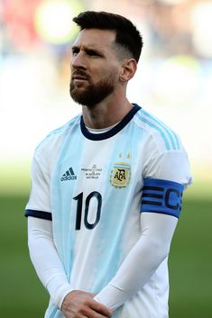 football is my aesthetic Messi 10, Messi Team, Messi Goals, Soccer Guys, Football Soccer, Football Players, Messi Argentina, Lionel Messi Haircut, Lionel Messi Instagram