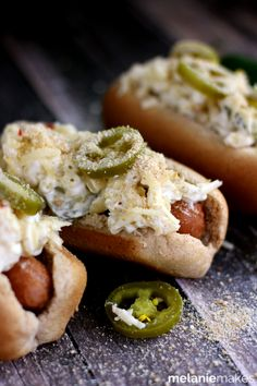 Jalapeno Popper Mac & Cheese Brats by @Melanie Bauer | Melanie Makes