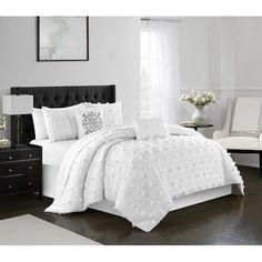 White Comforter Bedroom, Queen Comforter Sets, White Bedding Set, Sage Bedroom, King Size Bedding Sets, White Duvet, Master Bedroom, Room Ideas Bedroom, Bedroom Decor