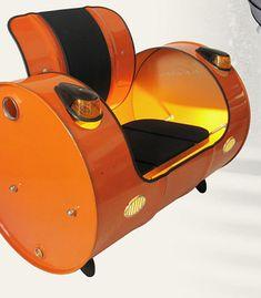 metal drum chair, las luces son geniales pero lo haría con ruedas y d tipo baúl .