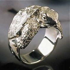 Turtle (Tortoise) Ring I've gotta have this