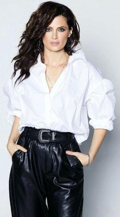 Kate Beckinsale Hot, No Way Out, Kate Beckett, Great Tv Shows, Metal Girl, Emma Roberts, Stana Katic, True Beauty, Most Beautiful Women