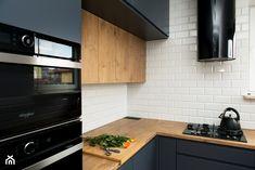 Kuchnia-grafit, biel i drewno - Średnia kuchnia w kształcie litery l, styl nowoczesny - zdjęcie od Renee's Interior Design