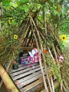 The Fairy Den. All children need one. I need to build this for my Grandson. But we'll call it a Pirates Den. lol outdoor play area for kids forts Outdoor Learning Spaces, Kids Outdoor Play, Outdoor Play Areas, Outdoor Fun, Outdoor Games, Natural Outdoor Playground, Outdoor Crafts, Natural Play Spaces, Sensory Garden