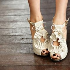 ruffles fashion shoe, toe, white shoes, wedding shoes, style, closet, heels, cream, ruffles
