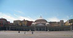 Nápoles, que fica no sul da Itália e é a capital da região da Campânia, tem fama de ser regida pela corrupção e pelo crime, tanto informal quanto…