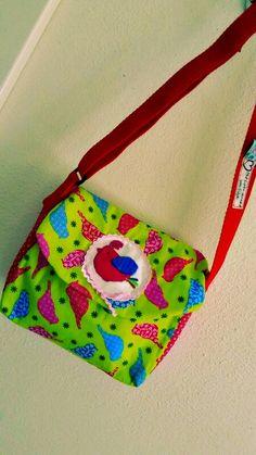 Eine Puppenwagen - Wickeltasche. ..... braucht eine kleine Maus unbedingt