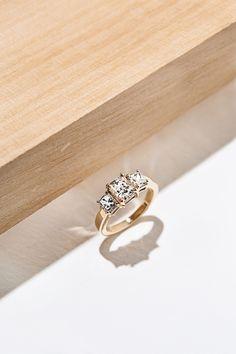 SARW-EG Inner 16mm Alphabet ring Capital Letter E Enhanced gold plating Adjustable ring 1pc 16K shiny gold plated brass