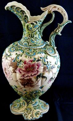 century victorian ewers for sale - Bing images Porcelain Ceramics, Ceramic Pottery, Pottery Art, Painted Pottery, Water Into Wine, Victorian Decor, Victorian Era, Decorative Objects, Glass Art