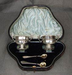 Antique Solid Sterling Silver English Matching Pair Salt Urn Cellars & Spoons. *GASP* I don't think I've ever seen antique salt cellars NEW IN BOX like this before! How wonderful!!