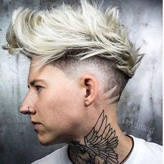 41 Fresh Disconnected Undercut Haircuts for Men in 2019 Faux Hawk Hairstyles, Messy Hairstyles, Stylish Haircuts, Haircuts For Men, Medium Hair Styles, Short Hair Styles, Men Hair Color, Hair Photography, Hair Tattoos