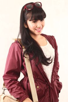 Get in-style with DUVERA Maroon Jacket. DPW04 for IDR 265k. Grab yours now!