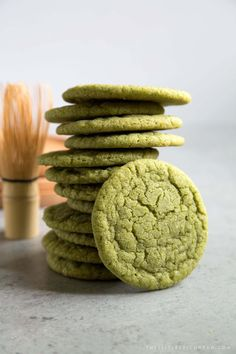 These soft and chewy matcha sugar cookies are super easy to make. Grab some matcha ice cream and turn these babies into ice cream sandwiches! Chewy Sugar Cookies, Cookies Et Biscuits, Baby Cookies, Heart Cookies, Valentine Cookies, Easter Cookies, Birthday Cookies, Christmas Cookies, Baking Recipes