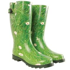 Grass and Daisy Wellies!