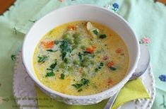 supa de mazare cu galuste 2' Baby Food Recipes, Soup Recipes, Cooking Recipes, Healthy Recipes, Pea Soup, Natural Living, Dumplings, Soups And Stews, Deserts