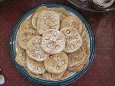 Snickerdoodles to look like sand dollars