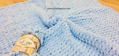 Alize Puffy (Pufi) How to Make a Baby Blanket with Knitting Lanyard? Crochet Hats, Knitting, Pattern, Cabin, Fashion, Bed Covers, Knitting Hats, Moda, Tricot
