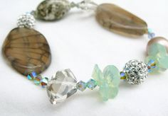Stretch bracelet with Swarovski Crystal Agate and by Arieli
