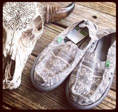 SALE!!! Take an additional 10% off these SANUKS ~ use code SURFEXPO ~ makes them only $30 bux!!!  sizes 6, 7 & 8 left ~ GOING FAST ~ online now www.lilbeesbohemian.com #desertwanderer #johanna #sanuk #sanuks #sanuksale #surfexpo #surfer #surfergirl #surfergirls #surftrip #bohemian #boho #bohochic #bolinas #California #californiadreaming #huntingtonbeach #gypsysoul #hippiechick