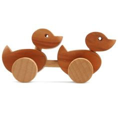 ducks | wackeltier, enten, klein |  design by jacek szmidt | obstbaumholz, räder aus buche