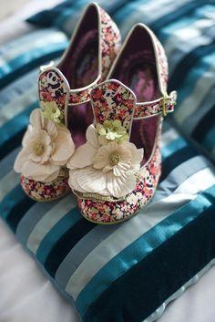 Pirate Wedding The Miss Havisham Wedding Dress ... LOVE these shoes!