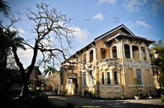 [photo by Thiery Beyne] French colonial villa in Hue, Vietnam