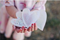 Coudre du calque pour faire une pochette de confettis