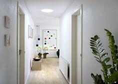 El Túnel Solar para Techo Inclinado VELUX permite iluminar con luz natural espacios como subterráneos, salas de baño y walk-in closets, entre otros. El Túnel Solar VELUX es un producto de fabricación europea y puede ser instalado en techumbres con una inclinación de entre 15 y 60 grados. http://www.plataformaarquitectura.cl/catalog/cl/products/5196/tunel-solar-para-techo-inclinado-velux?utm_medium=email&utm_source=Plataforma%20Arquitectura 7 figure marketer reveals how to get more clicks…