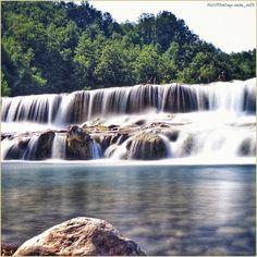 Piscine naturali. La #PicOfTheDay #turismoer di oggi si tuffa nelle fresche acque del #Fiume #Panaro (#MaranoSulPanaro, #Modena). Complimenti e grazie a @ste_m73 / Natural pools. Today's #PicOfTheDay #turismoer dives in the cool waters of #Panaro #River (#MaranoSulPanaro, #Modena). Congrats and thanks to @ste_m73