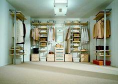 Les presentamos los vestidores y los armarios empotrados, 50 imágenes que les darán algunas ideas para diseñar un espacio para vestirse y almacenar la ropa.