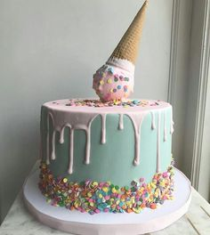 Easy Cake Recipes - New ideas 14th Birthday Cakes, Funny Birthday Cakes, Birthday Cakes For Teens, Homemade Birthday Cakes, Happy Birthday Cake Girl, Birthday Cake Girls Teenager, Birthday Ideas, Cakes For Teenagers, Bolo Panda