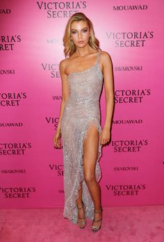 Stella Maxwell at the 2017 Victoria's Secret Fashion show afterparty on November 20 2017 in Shanghai China