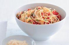 Špagety aglio e olio Aglio Olio, Dips, Spaghetti, Ethnic Recipes, Anna, Food, Sauces, Essen, Dip