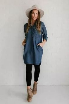 Trendy denim dress with legging fashion looks for this winter Denim Shirt Dress Outfit, Jean Dress Outfits, Winter Dress Outfits, Chambray Dress, Jeans Dress, Casual Outfits, Jean Shirt Dress, Dress Ootd, Denim Dresses