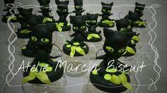 Lembranças em potinhos de papinha tema Miracolous. https://www.elo7.com.br/ateliemarciabiscuit/loja