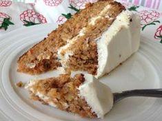 Vláčný mrkvový dort Sweets Cake, Cupcake Cakes, Sweet Desserts, Sweet Recipes, Good Food, Yummy Food, Czech Recipes, Food Cakes, Sweet And Salty